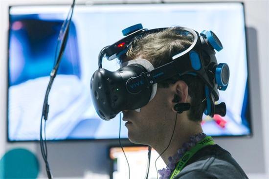 虚拟增强现实_虚拟头盔现实_脑电波 虚拟现实