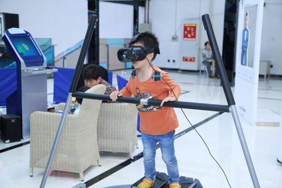 新视界 大平台:万通虚拟现实体验馆隆重开馆